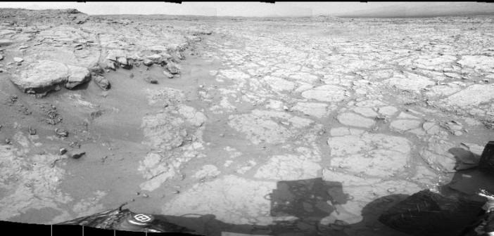 Yellowknife Bay oczami łazika MSL - Sol 130 / Credits - NASA/JPL-Caltech