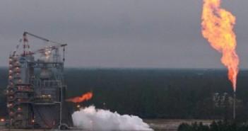 Test silnika J-2X, 27 listopada 2012 roku / Credits: NASA/SSC