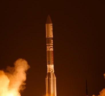 Start rakiety Proton-M z Jamał-402 na pokładzie / Credits - ILS