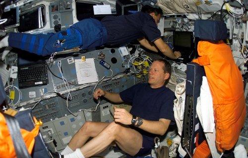 Praca na pokładzie Columbii. Zdjęcie z 25 stycznia 2003 roku / Credits - NASA