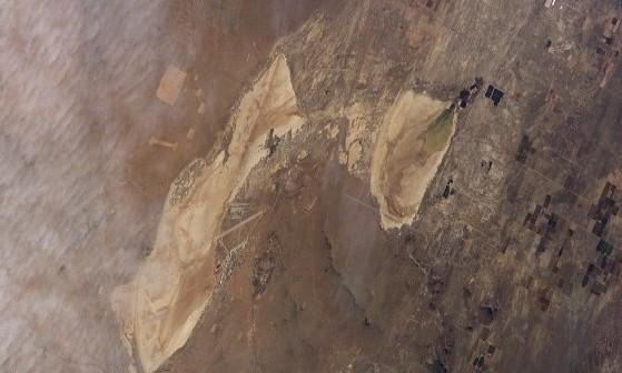 Baza Edwards z pokładu promu Columbia. Zdjęcie z FD6 / Credits - NASA