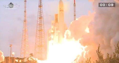 Start rakiety Ariane 5 ECA - 07.02.2013 / Credits - Arianespace