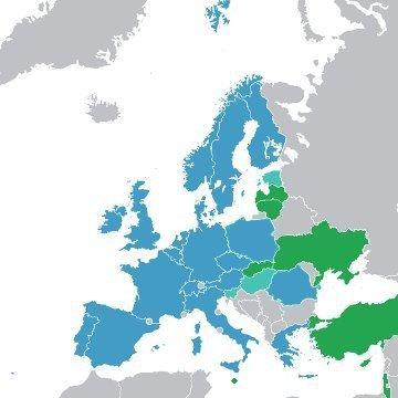 Państwa członkowskie ESA (kolor niebieski) oraz współpracujące (kolor zielony) - stan na 2013 rok / Credits - Wikimedia Commons