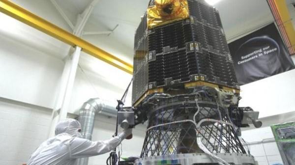 Sonda LADEE na platformie imitującej wibracje / Credits: NASA/Ames