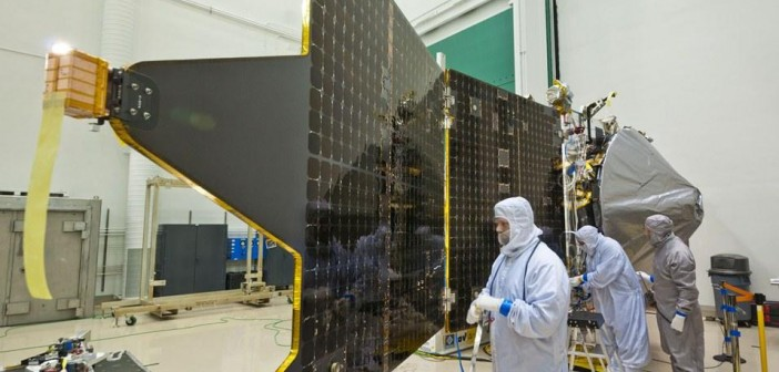 MAVEN z zamontowanymi panelami ogniw słonecznych / Credits: Lockheed Martin