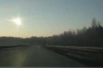 Klatka z nagrania ukazującego spadek meteoru - 15 lutego 2013