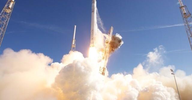 Start rakiety Falcon 9 / Credits: SpaceX