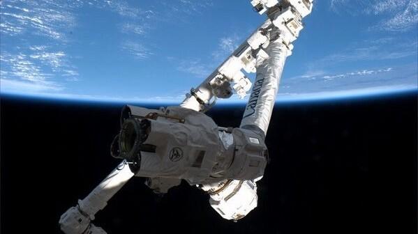 Testy SSRMS związane z przyjęciem kapsuły Dragon - 14.02.2013 / Credits - NASA