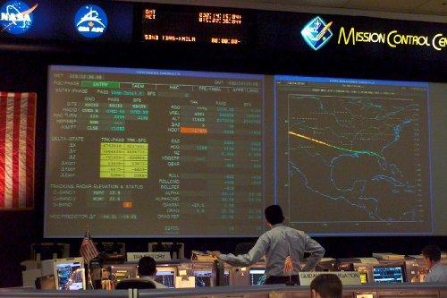 Widok na kontrolę lotu tuż po utracie kontaktu z Columbią - 14:59 CET, 1 lutego 2003 roku / Credits - NASA
