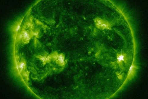 Dziewięć minut po fazie maksymalnej rozbłysku klasy M1.2 - 05.03.2013 / Credits - NASA, SDO