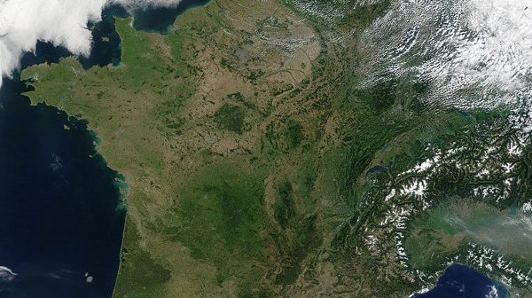 Francja z orbity, obserwowana z satelity Terra / Credits - Jacques Descloitres, MODIS Rapid Response Team, NASA/GSFC