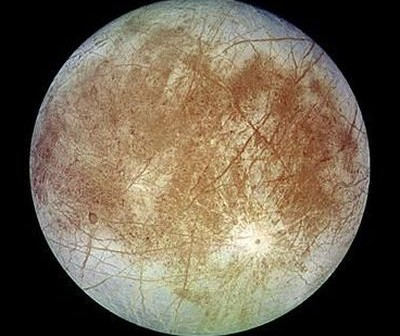 Księżyc Europa / Credits: NASA/JPL/DLR