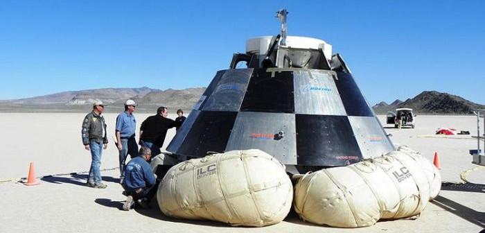 Kapsuła CST-100 na poduszkach powietrznych / Credits: Boeing