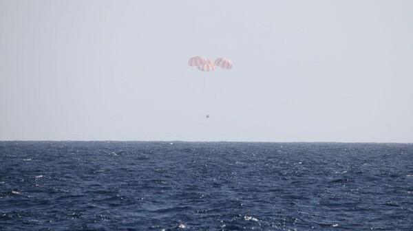 Wodowanie misji CRS-2 / Credits: SpaceX
