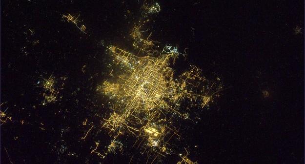 Pekin sfotografowany przez Paolo Nespoli'ego z pokładu ISS / Credits - ESA