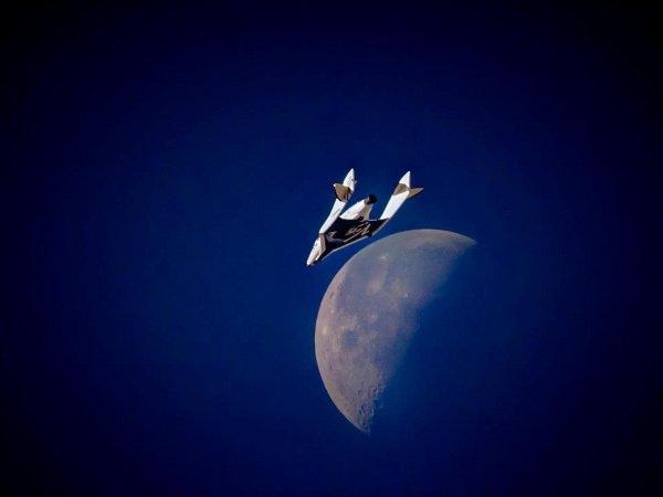 Zdjęcie SpaceShipTwo z lotu z 3 kwietnia 2013 / Credits - Virgin Galactic