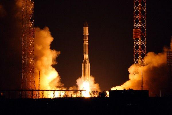Start rakiety Proton-M z satelitą Anik-G1 / Credits: Roskosmos