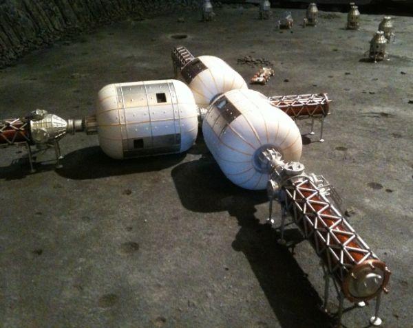 Wizja artystyczna bazy firmy Bigelow Aerospace na Księżycu / Credits: Bigelow Aerospace