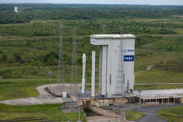 Vega na stanowisku startowym / Credits - ESA