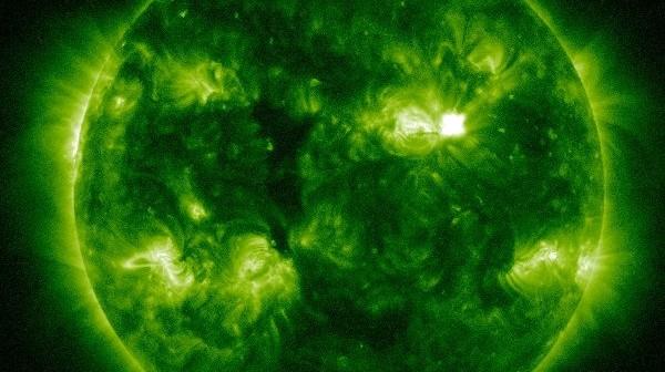 Siedem minut po fazie maksymalnej rozbłysku / Credits - NASA, SDO