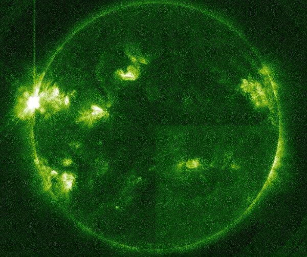W momencie rozbłysku klasy X1.7 - 13.05.2013 / Credits - NASA, SDO