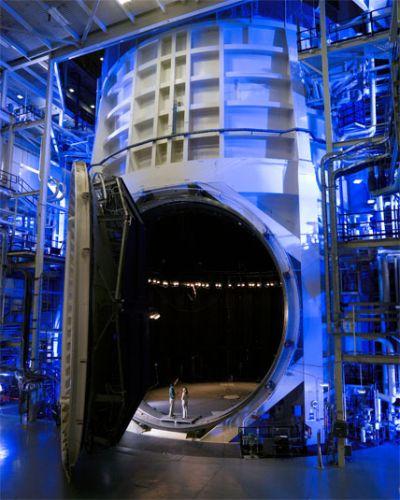 Komora próżniowa w JSC / NASA