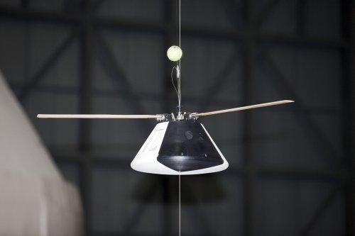 Model kapsuły w trakcie testów. Credit: NASA/Kim Shiflett