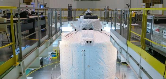 Zamknięcie statku ATV-4 w osłonie aerodynamicznej / Credits: ESA/D. Guyomard
