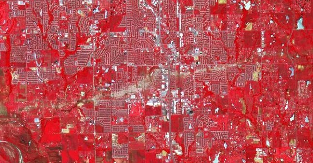 Zniszczenia w Moore okiem satelity Terra / Credits - NASA