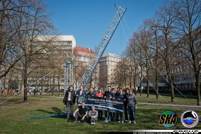 Zespół pracujący nad rakietą Amelia 2 / Credits - Paweł Jagiełło, klubfocus.pl