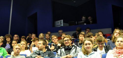 Uczestnicy konferencji z klas matematyczno-przyrodniczych szkół ponadgimnazjalnych z miasta Opole. (Credit: Ardis)