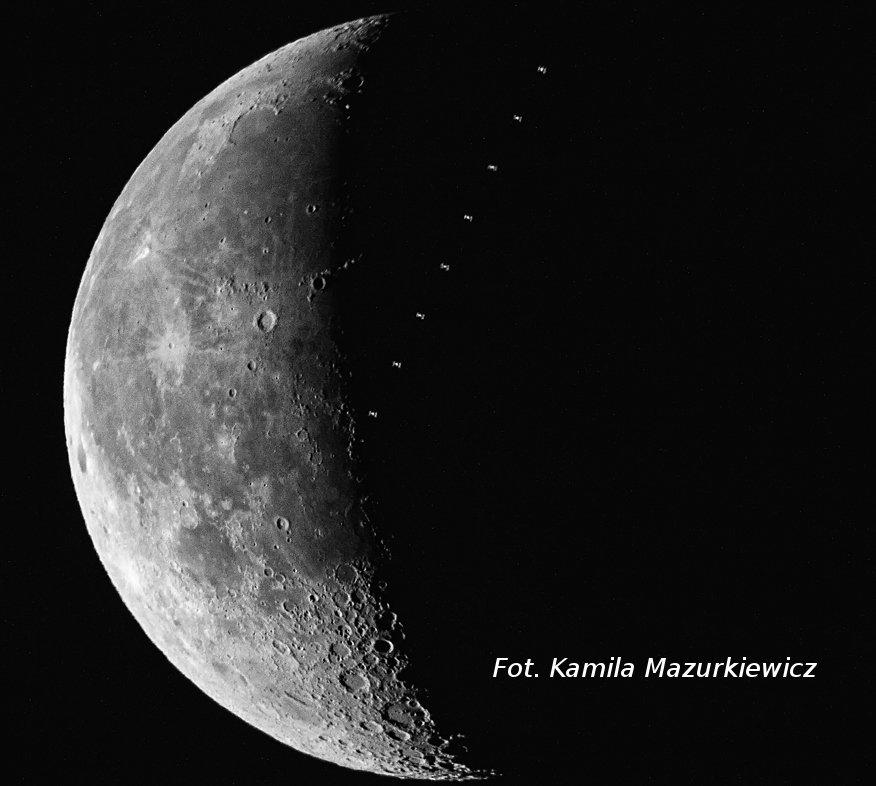 Międzynarodowa Stacja Kosmiczna na tle Księżyca / Credits - Kamila Mazurkiewicz