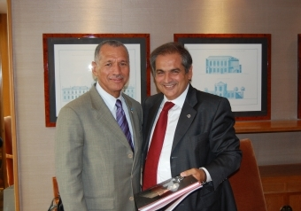 Pierwsze spotkanie Boldena i Saggesego podczas IAC 2009 / Credits: ASI