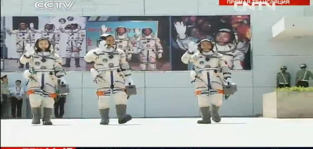 Uczestnicy lotu Shenzhou 10 / CNSA