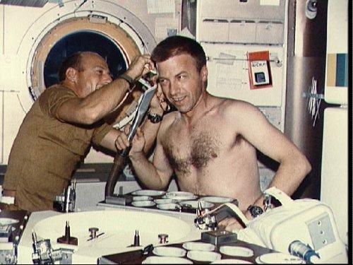 Conrad i Weitz podczas misji SL-2 / Credits - NASA