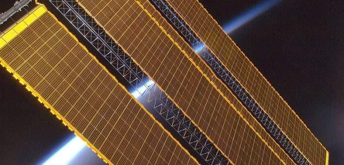 Ogniwa słoneczne na Międzynarodowej Stacji Kosmicznej / Credits: NASA