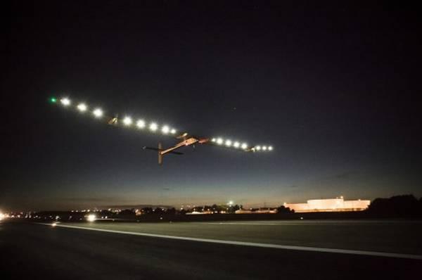 Lądowanie samolotu Solar Impulse w Nowym Jorku / Credits: SI