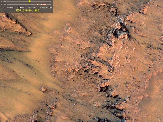 (Credits: NASA/JPL-Caltech/Univ. of Arizona)