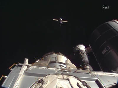 Progress M-20M zbliża się do ISS / Credits - NASA TV