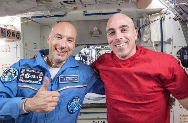 Astronauci Chris Cassidy i Luca Parmitano / NASA