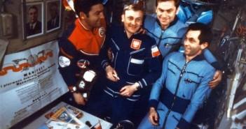 Mirosław Hermaszewski na pokładzie Saluta 6