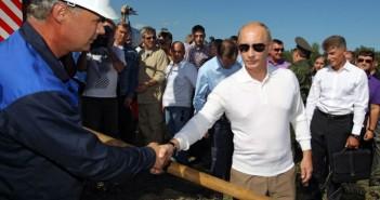 Władimir Putin wizytujący plac budowy kosmodromu Wostocznyj, rok 2010 / Credits: RIA Nowosti