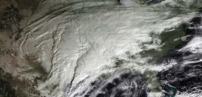 Śnieżyce nad środkowymi USA sfotografowane przez GOES-12, 29 stycznia 2010 / Credits: NOAA