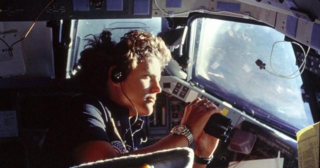 Kathryn Sullivan w trakcie misji STS-41-G, 6 października 1984 / Credits: NASA
