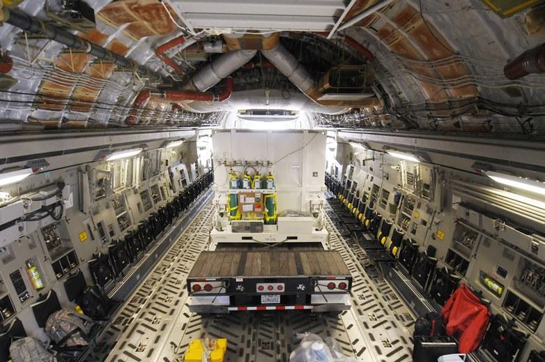 DMSP Block 5D-3 F19 w ładowni C-17 / Credits: USAF