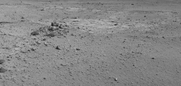 Fragment mozaiki ze zdjęć wykonanych przez MSL w drodze ku Mt Sharp. Zdjęcia z 27 sierpnia 2013 / Credits - NASA, JPL-Caltech