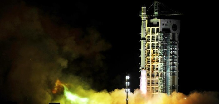 Start rakiety Chang Zheng 4C z satelitami Yaogan-17, 1 września 2013 / Credits: Xinhua