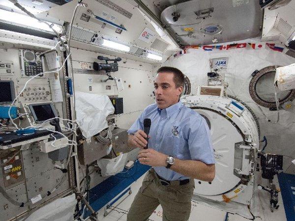 Chris Cassidy - jeszcze na ISS / Credits - NASA