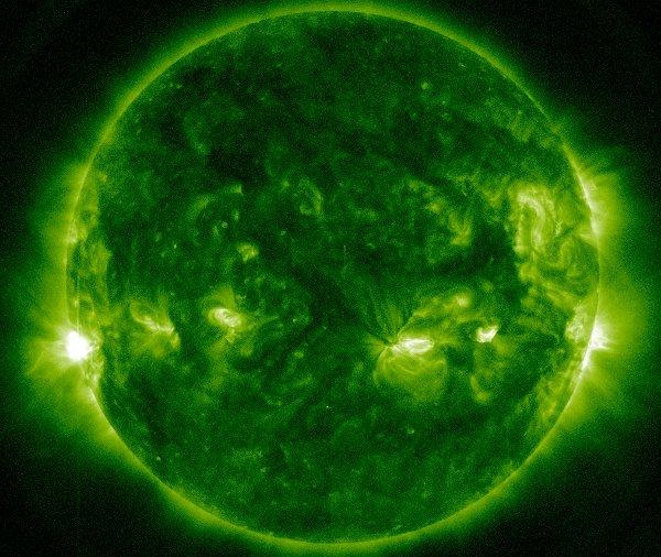 Moment rozbłysku klasy M3.5 z 20.12.2013/ Credits -NASA, SDO