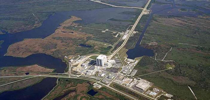 Stanowiska startowe LC39A i B i budynek VAB / Credits: NASA
